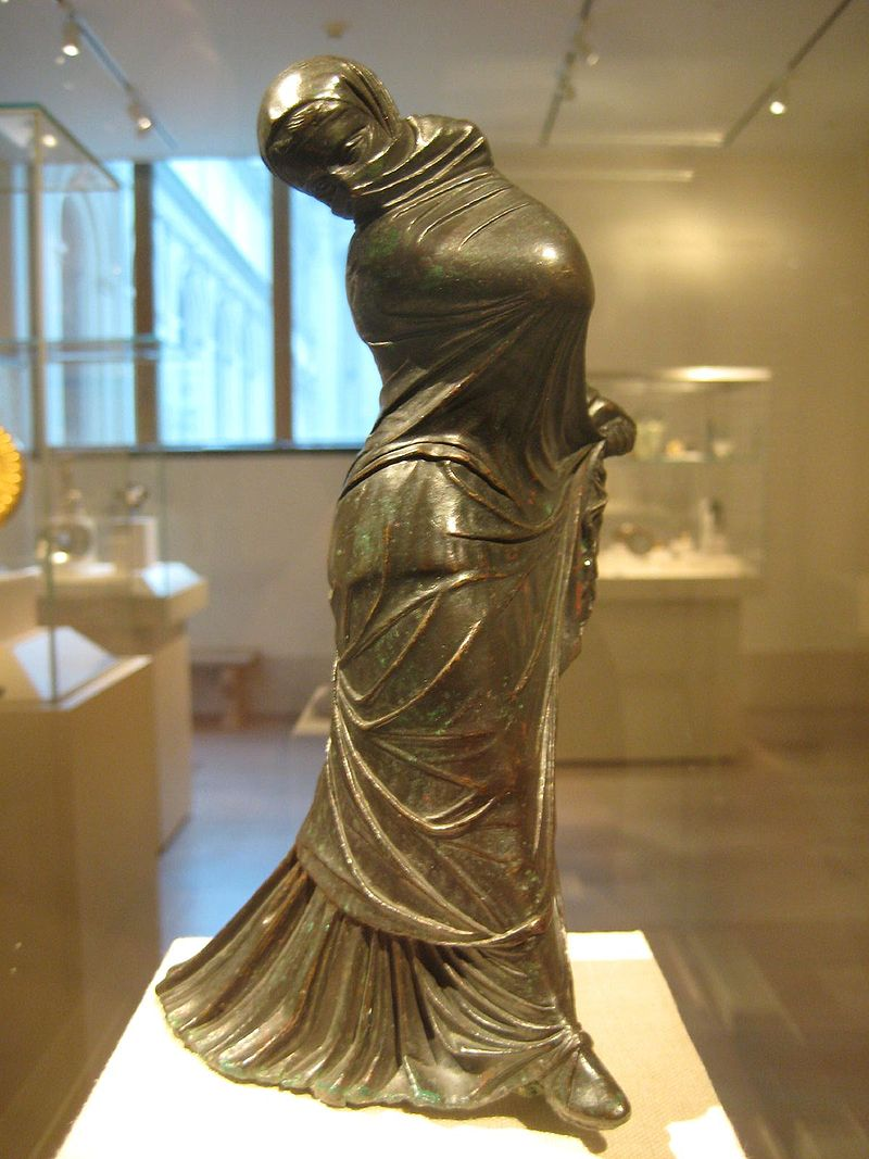 800px Bronze Statuette of a Veiled and Masked Dancer 1